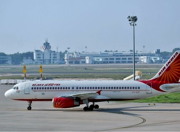 Tata, SpiceJet promoter shortlisted as Air India's potential buyers: Report
