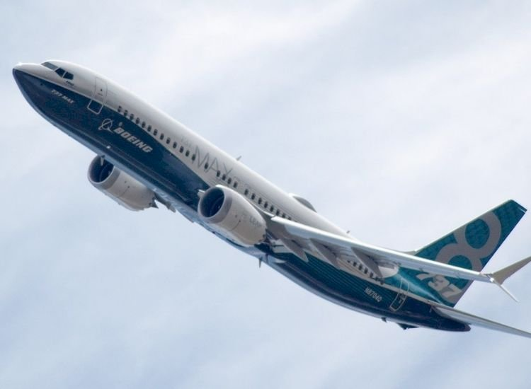 B737 Max faces newer and newer problems, Boeing desperate to find fixes